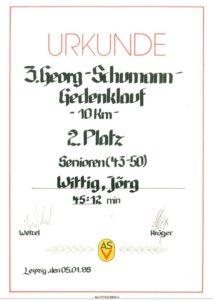 kalligrafisch liebevoll gestaltete Urkunde des Georg-Schumann-Gedenklaufes, Januar 1985; Archiv: Jörg Wittig